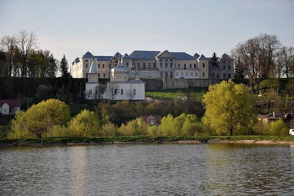 Вишнівецький палац з висоти пташиного польоту (Фото)
