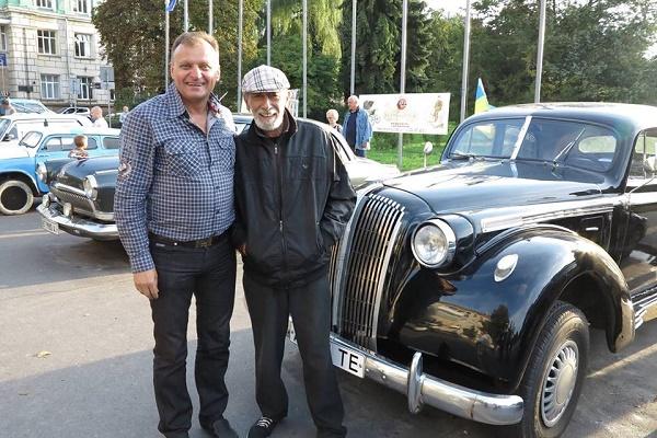 Тарас Демкура готується до відкриття ретро-музею старожитніх автомобілів (Фото)