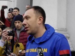Тернопільські автомайданівці намагаються прорватися до обласного прокурора (ФОТО, ОНЛАЙН)