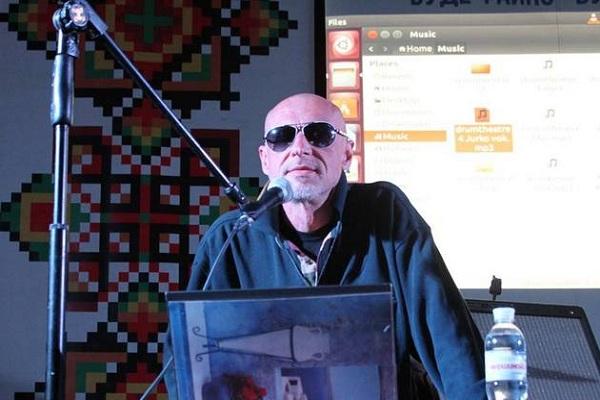 Юрко Іздрик у Тернополі замість віршів читав реп
