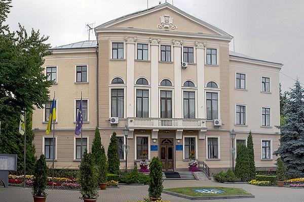 За конфлікт між депутатами та виконавчою гілкою влади відповідальний  секретар ради