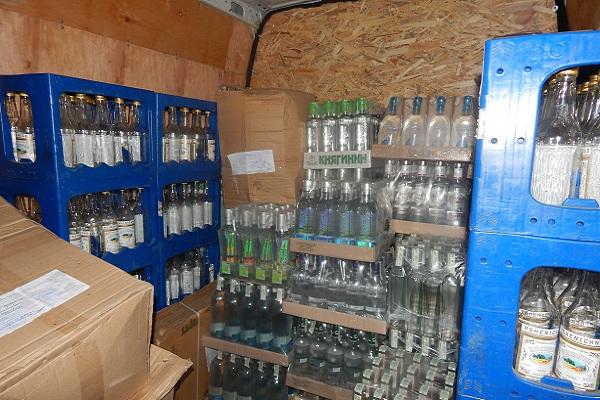 На Тернопільщині викрили два підпільних цехи з виготовлення алкоголю
