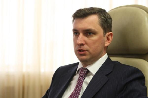 Тернополянина звільнили з посади керівника Державної фіскальної служби