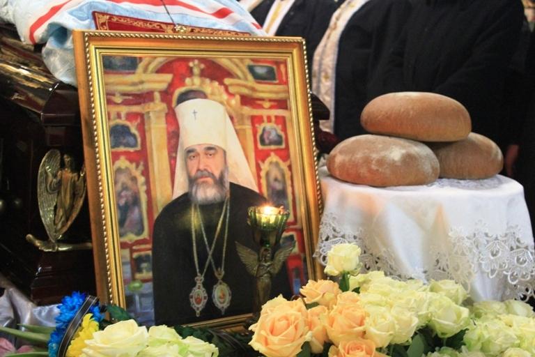 Тернополяни попрощалися з митрополитом Мефодієм