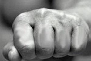 Жахливі тортури: житель Тернопільщини катував дружину, щоб вона не поїхала на заробітки