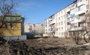 Будівництво у Тернополі: Магазин з офісами зведуть під вікнами