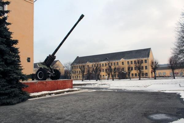 Тернопільські автомайданівці допомагають бійцям 44 бригади в Тернополі