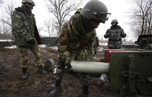В аеропорту Донецька знову запеклі бої, «кіборги» говорять про брак боєприпасів
