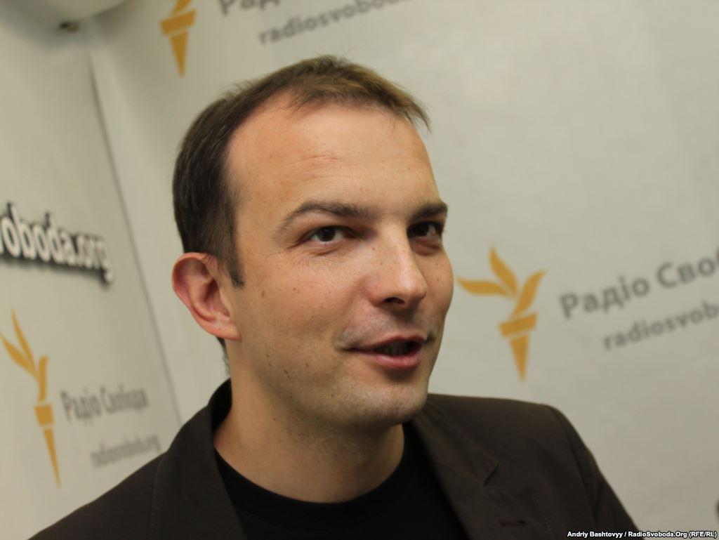 В нашій Раді йде боротьба між світом Януковича і світом євромайданівців, - Єгор Соболєв