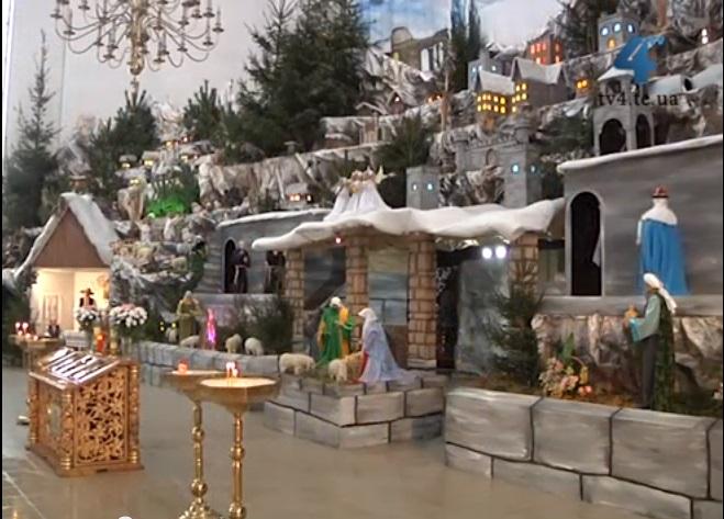 У Тернополі споруджують найбільшу в Україні різдвяну шопку
