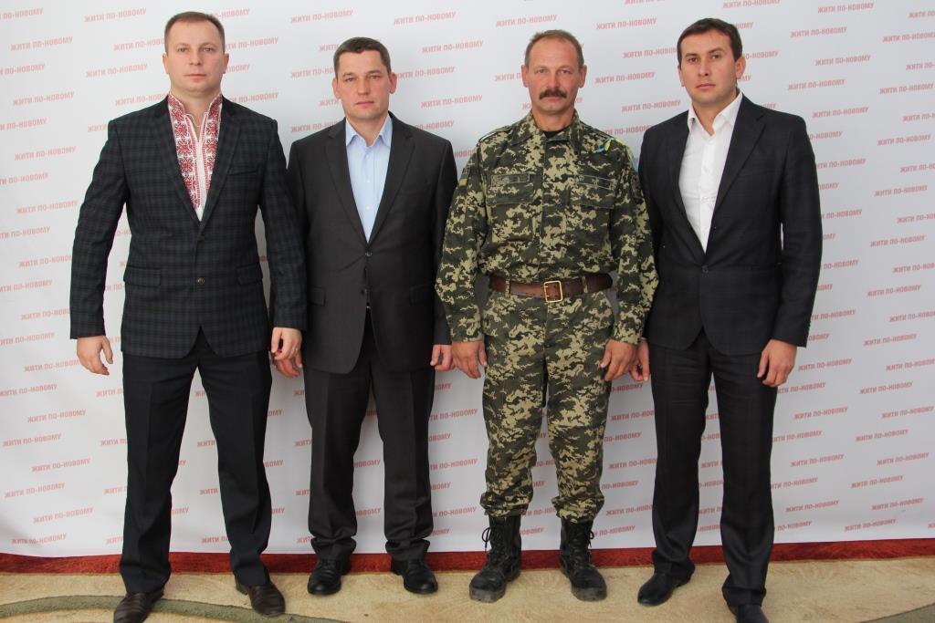 Поки народ годує і вдягає армію, депутати з Тернопільщини збільшили собі зарплату