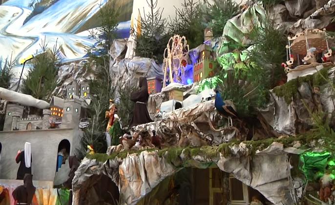 У Тернополі до Різдва спорудили найбільшу шопку в Україні (ВІДЕО)