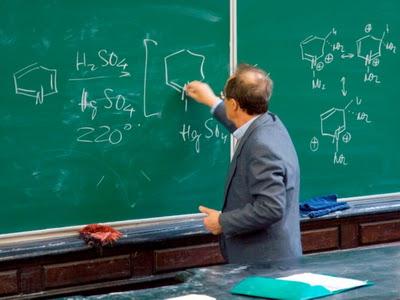 Кабмін знайшов мільйони для тернопільських вчителів