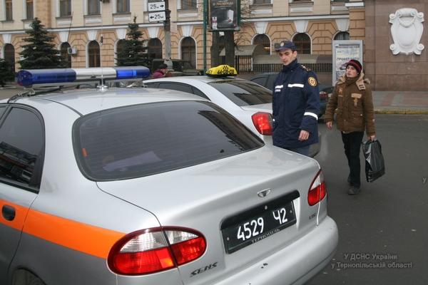 Тернопільські рятувальники допомогли переселенцю з Луганська (ФОТО)