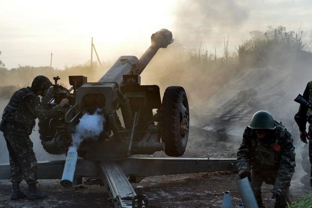 Артилерійське перемир'я під Донецьком. Кадри з передової (ВІДЕО)
