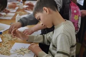 Тернопільські школярі вчилися робити зірки… із сірників